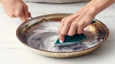 صورة 3 حيل لتنظيف الحلة من آثار الحروق