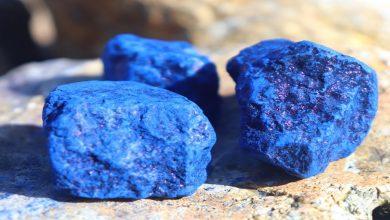 صورة تزيل التصبغات وتوحد لون البشرة.. طريقة استخدام وصفة النيلة الزرقاء للجسم
