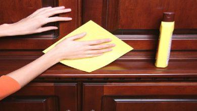 صورة مكونين من مطبخك لتلميع الخزانة الخشبية