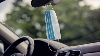 صورة حيلة بسيطة توقف انتشار كورونا داخل السيارة