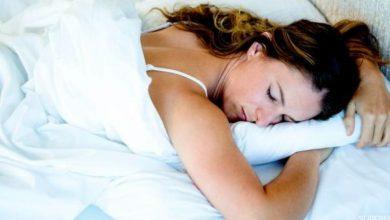 صورة هل نوم الحامل على بطنها يضر الجنين؟
