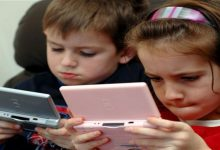 صورة إدمان الأطفال على الأجهزة الإلكترونية يدل معاناته من الحرمان العاطفي